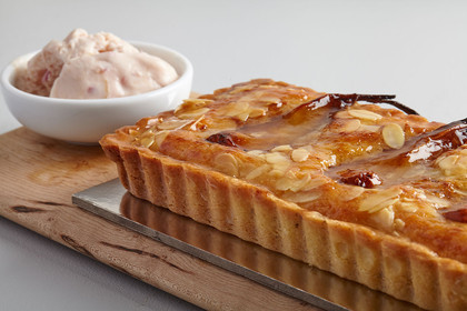 Caramelised-pear-tart,-rhubarb-icecream-