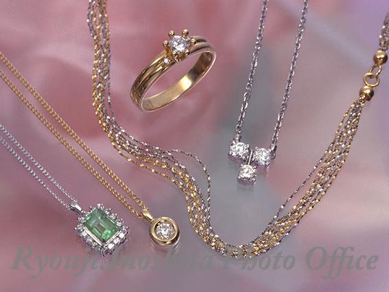 九州の出張撮影は、井下良治写真事務所にお任せ。商品撮影 宝石集合