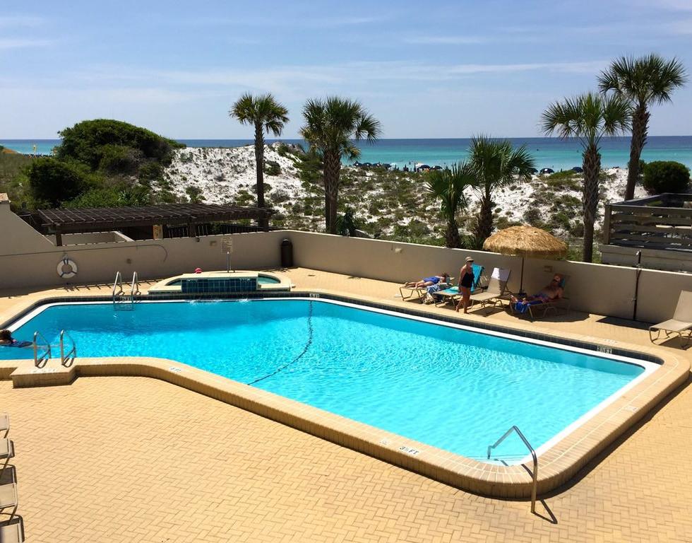 pool and hot tub.jpg