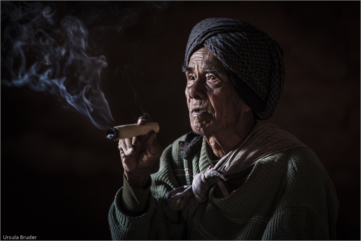 Old smoking man