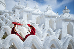 White pagoda 2