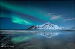 Lofoten Aurora mirror 1