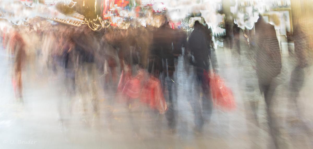 Kaufrausch vor Weihnachten