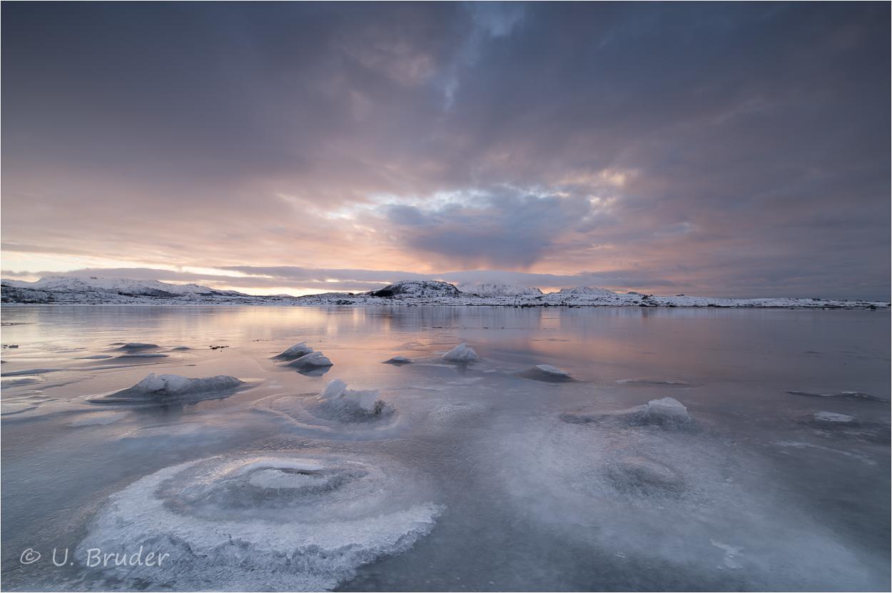 Lofoten morning colours 1