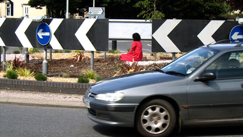 Roundabout 2, performance, fotografia, Totnes 2005, fot. Kristina Junttila