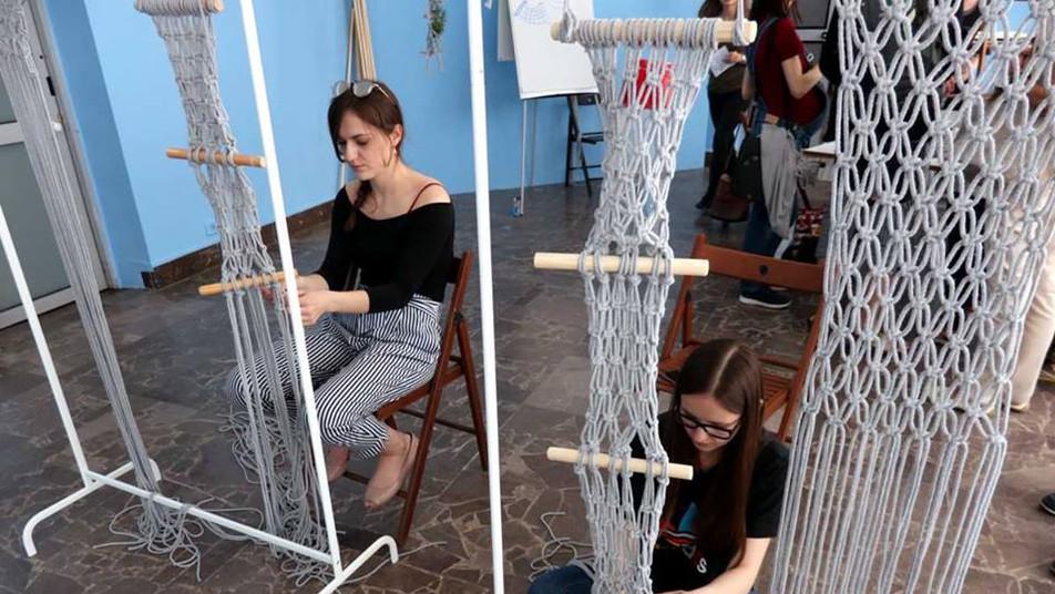 Magdalena Starska, Plecienie Lekkoatletyczne, Galeria Miejska Arsenał, Poznań kwiecień 2019, fot. Joanna Tekla Woźniak