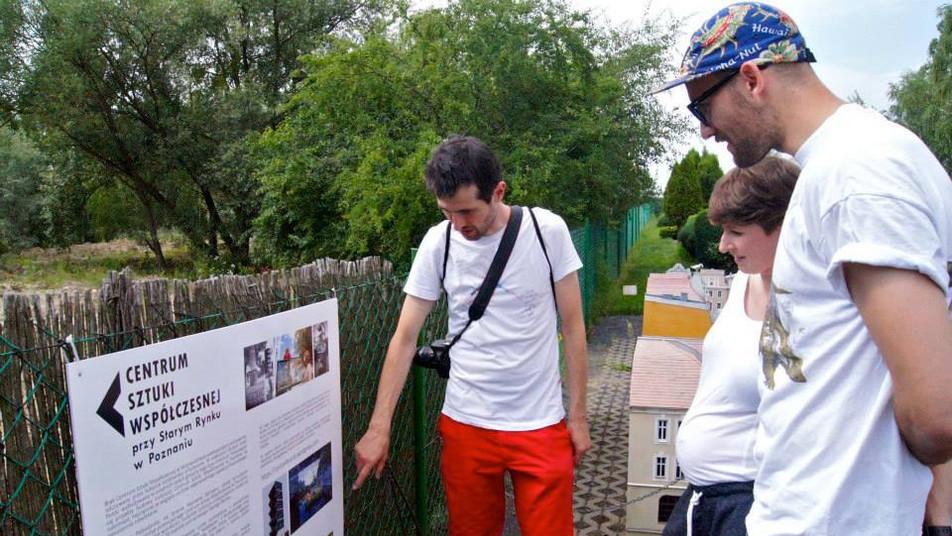 CSW przy Starym Rynku w Poznaniu w Skansenie Miniatur, Pobiedziska, maj 2015, fot. Joanna Tekla Woźniak
