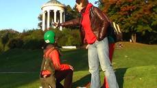 Pasowanie na rycerza, działania w Parku Angielskim, Monachium październik 2005