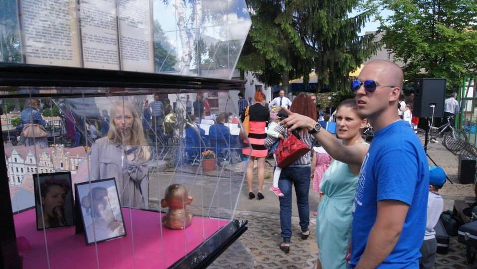 Pupile, CSW przy Starym Rynku w Poznaniu w Skansenie Miniatur, Pobiedziska, maj 2015, fot. Joanna Tekla Woźniak