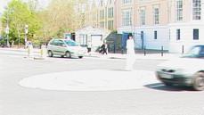 Miejskie Dokufikcje, performance, kadr wideo, Totnes 2005, fot. Piotr Juszczak