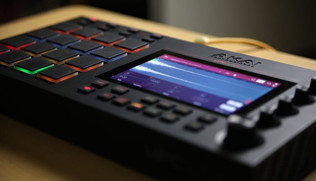 Mad Zach Gets Hands-On With MPC Live
