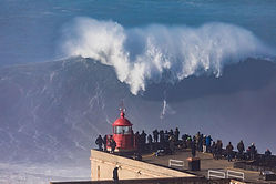 ross-clarke-jones-at-huge-nazare.jpg