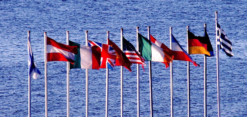 flags1.jpg