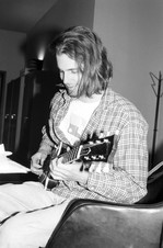 Dave (unbathed) with guitar