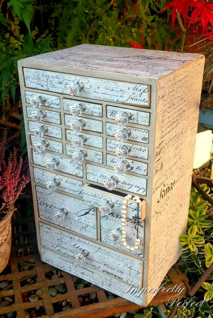 The Diddy Decoupage Drawers
