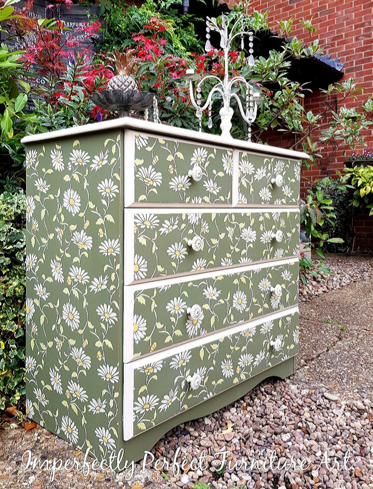 THE DAISY DRAWERS