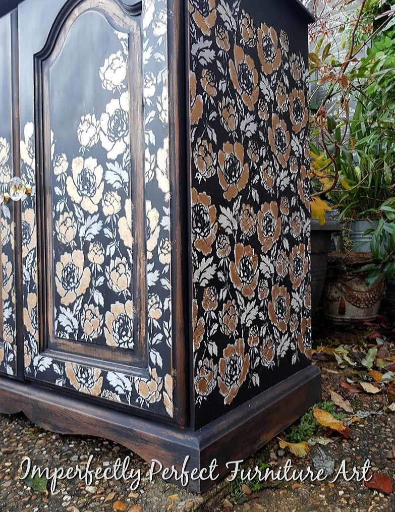 THE BLACK AND GOLD PEONY CUPBOARD