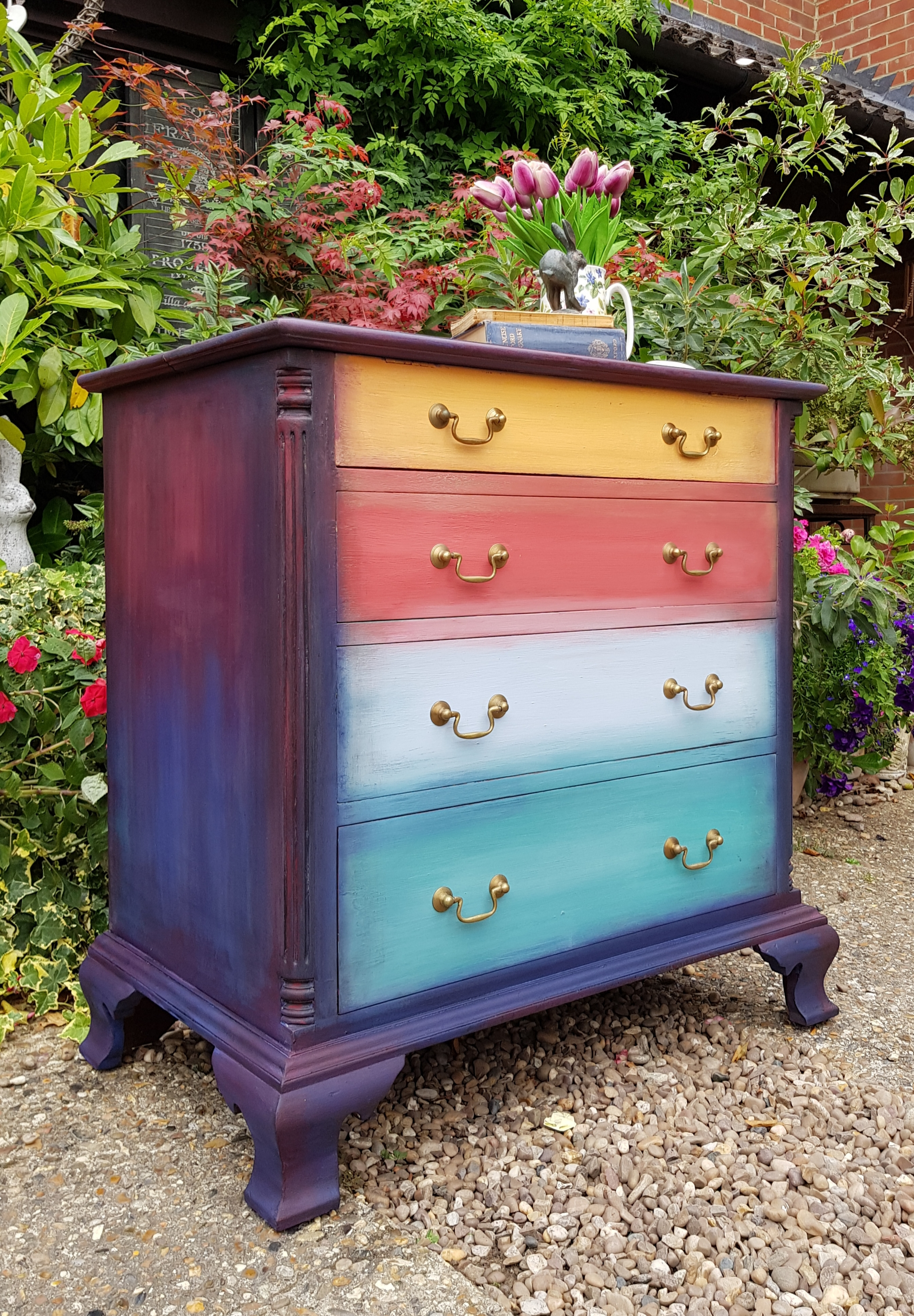 THE BLENDED RAINBOW DRAWERS