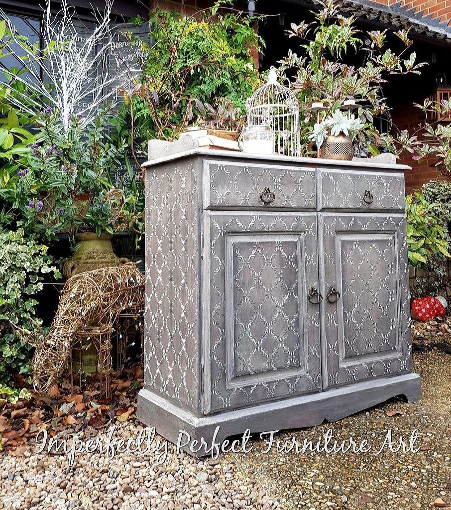 THE BLENDED AND TEXTURED CABINET