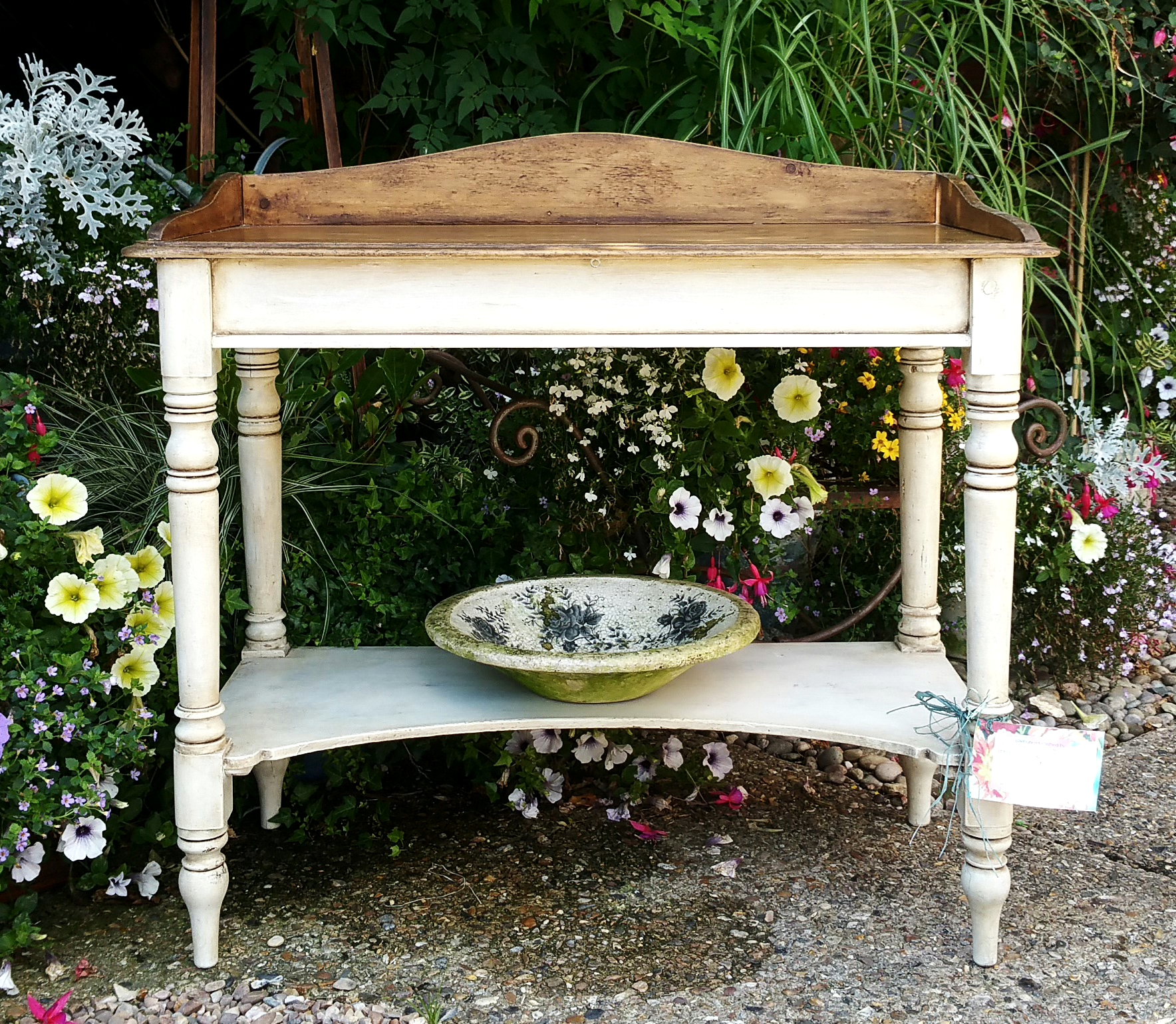 The Simple Washstand