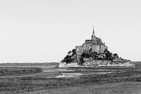 POCA POSTCARD MT. Saint Michel   black white   Bric-a-brac