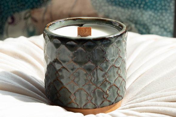 POCA INTERIOR | Wood Wicked vegan candle - CERAMIC