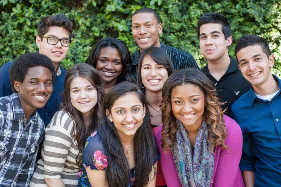blakc and hispanic 9th grade students from Essex County New Jersey represent dorson scholars program