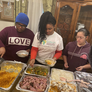 189 Meals Distributed to Feed the Homeless for Thanksgiving