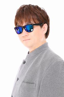 鈴木遊季(サングラス)バストアップ