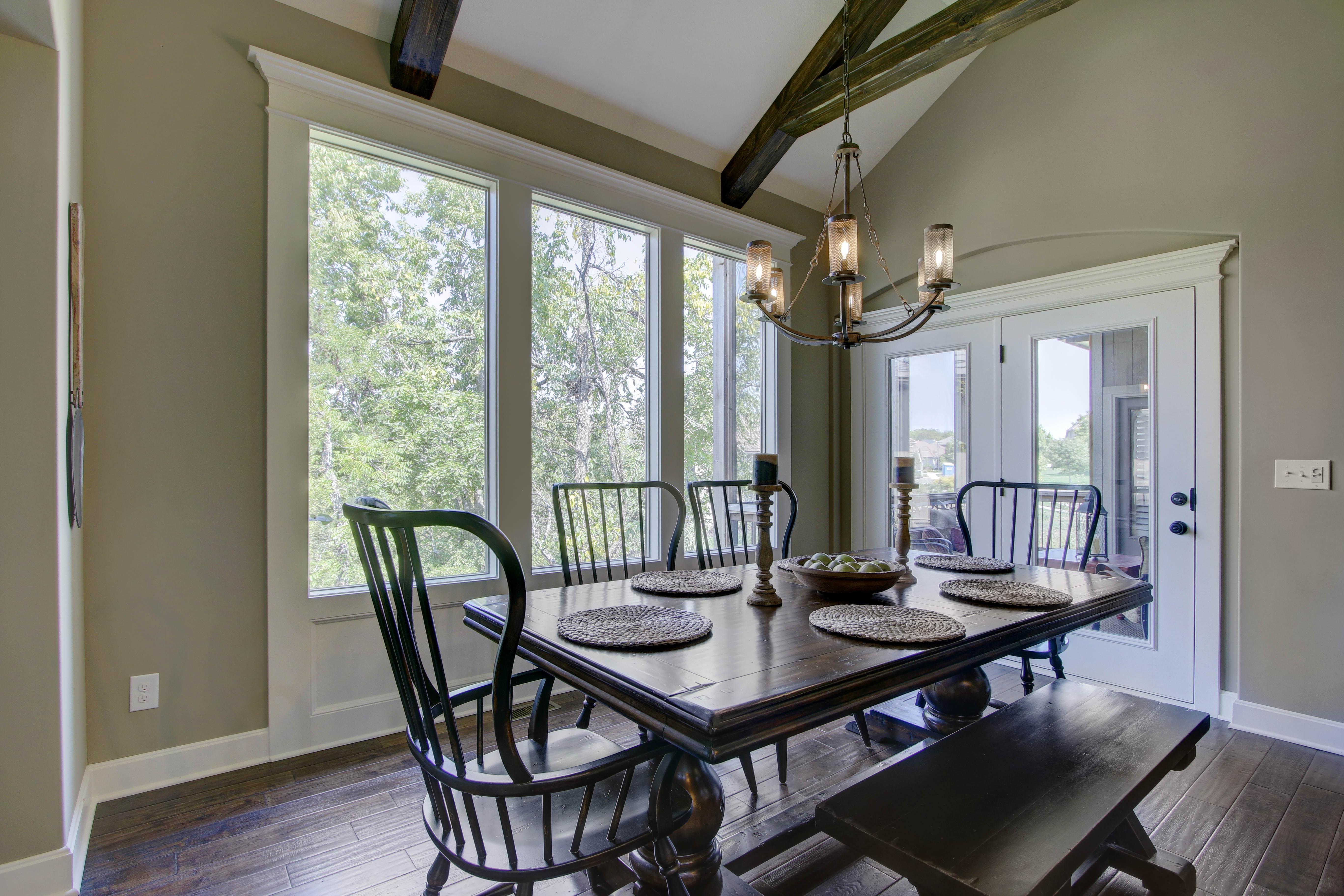 Dinning Room - Savannah
