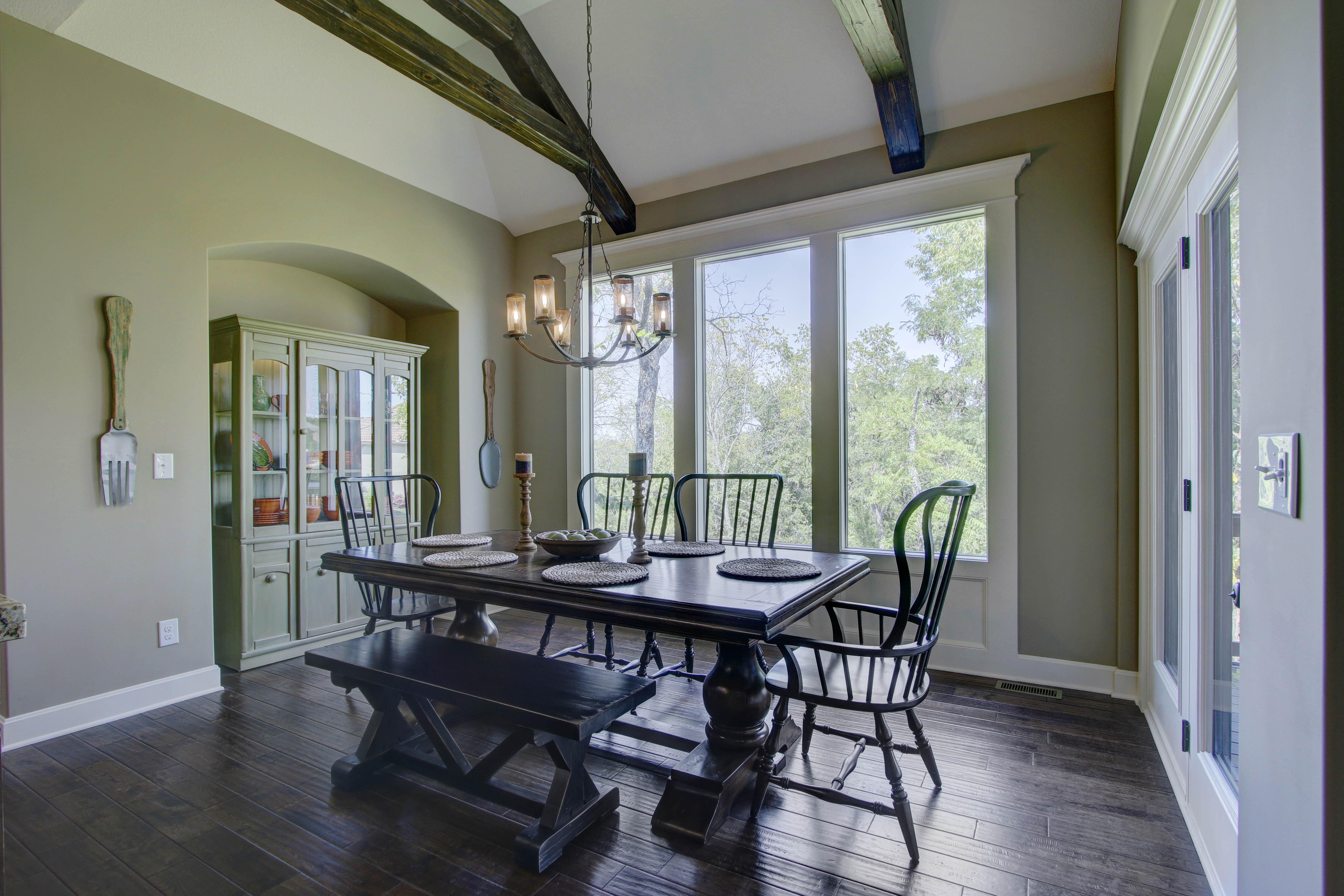 Dinning Room - Savannah (3)