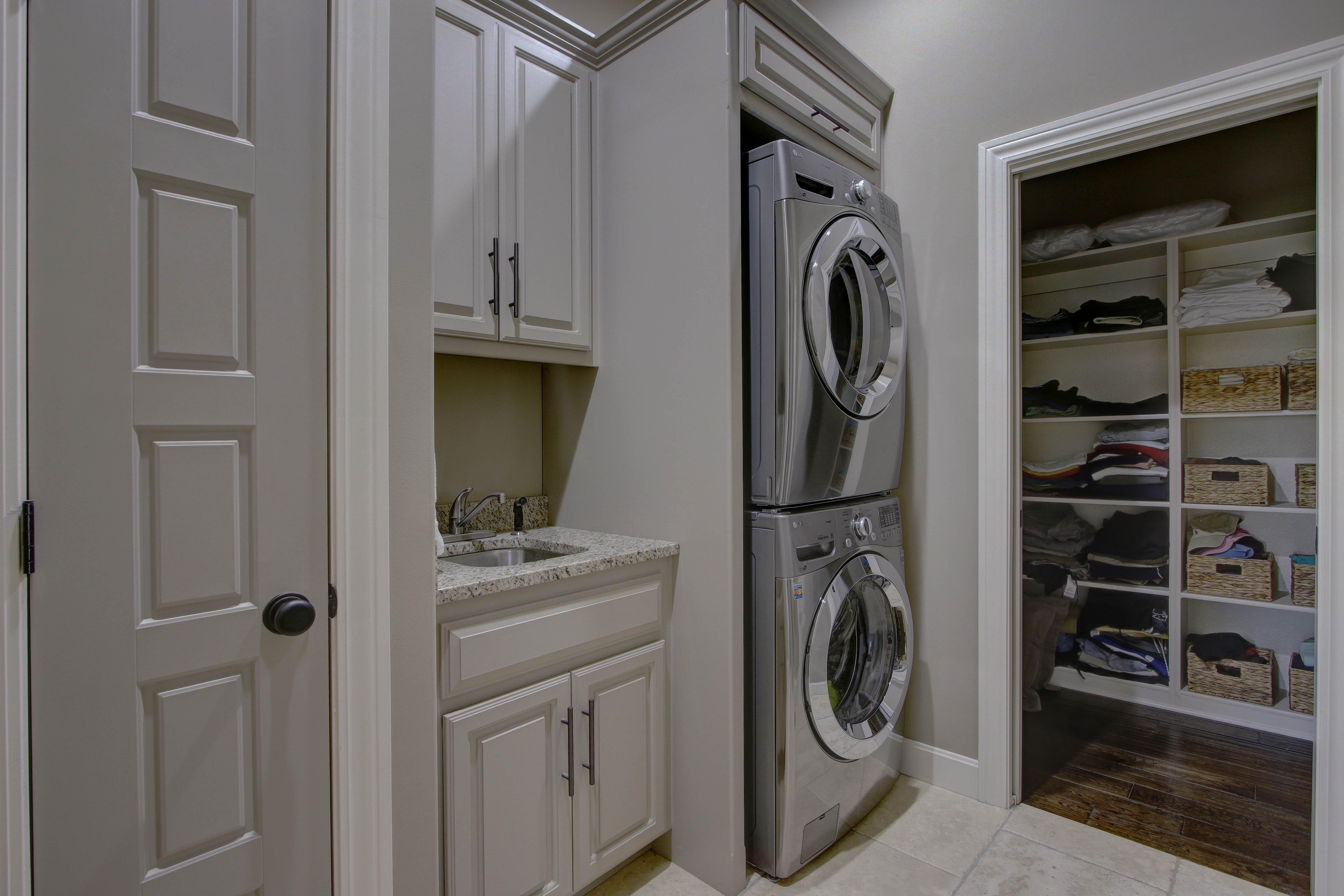 Laundry Room - Savannah
