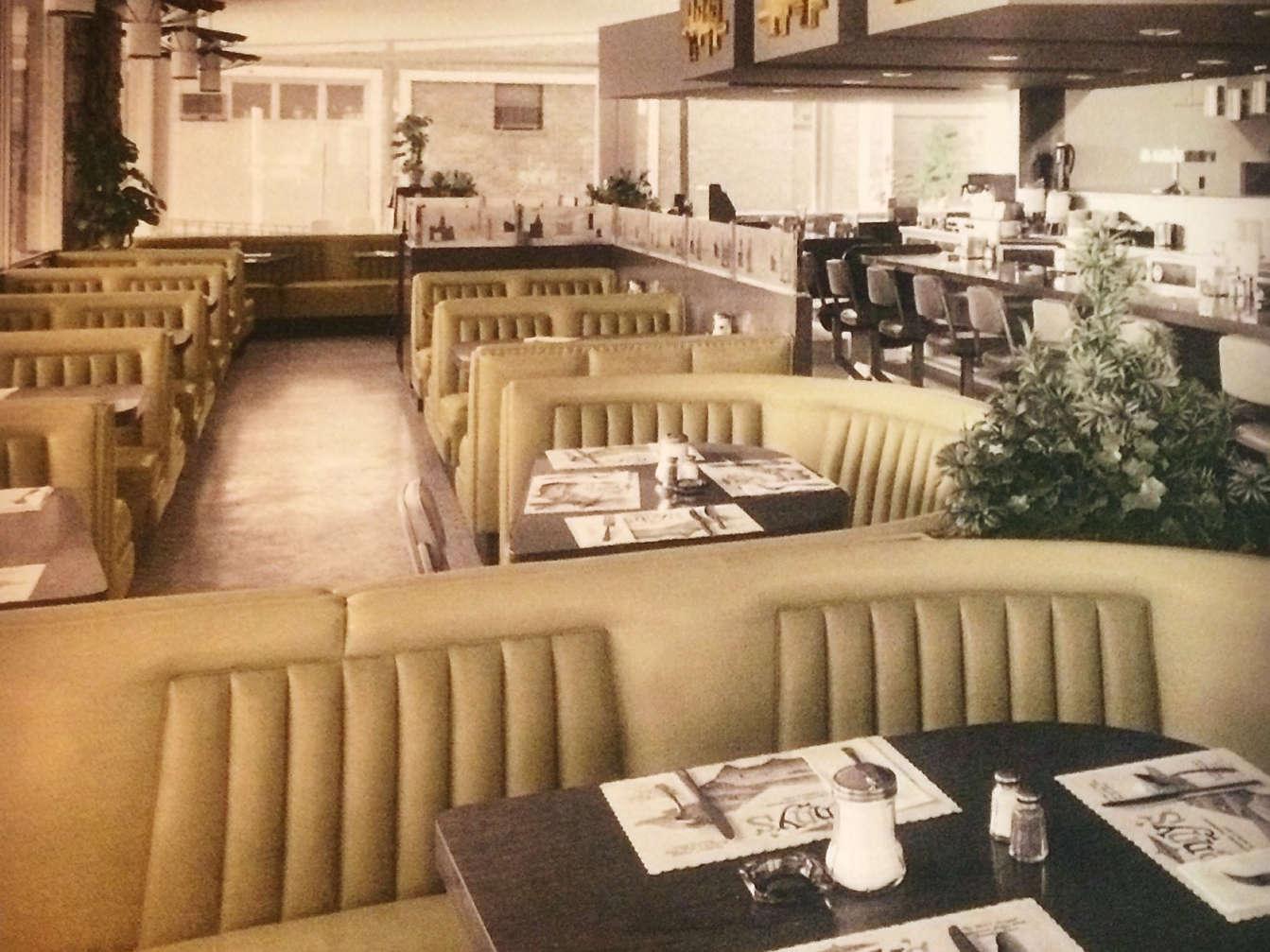 Klangstudie: Ein Diner im Jahre 1971
