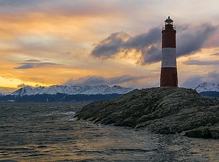 lighthouse-4073638__340.webp
