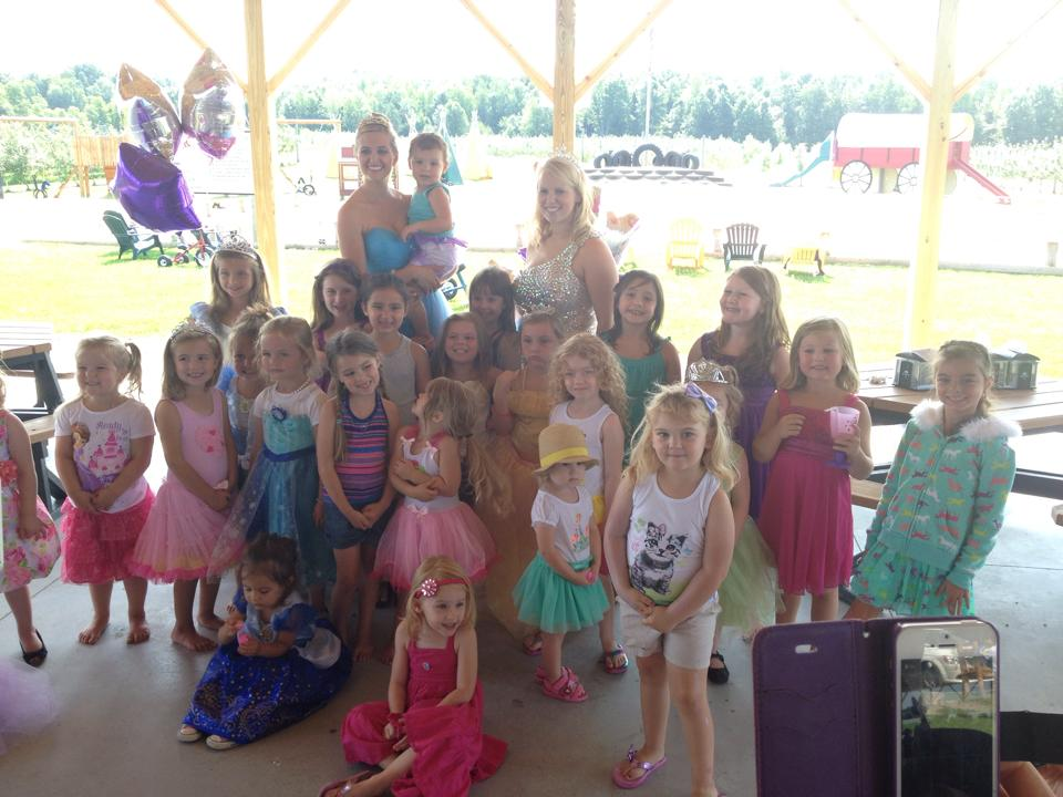 Group of kids dresses as princesses