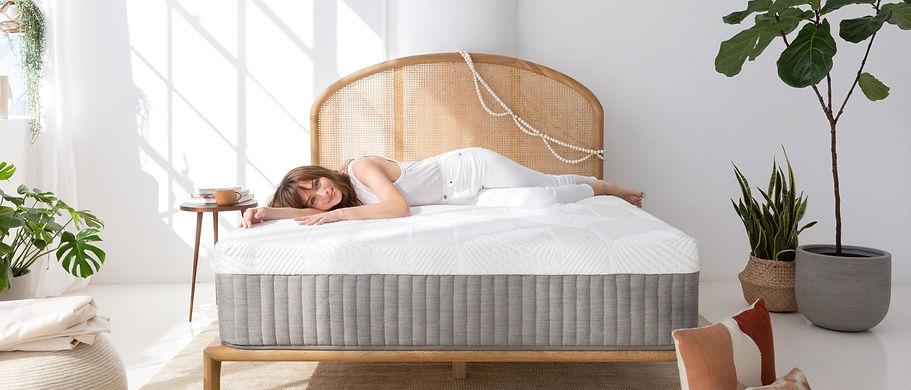 mattress-women_edited.jpg