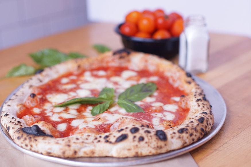 A freshly baked Margherita pizza.