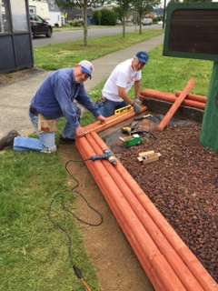 Volunteers spruce up downtown Hoquiam