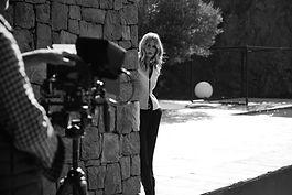 Photographe chamonix portrait noir et blanc coulisses femme mannequin