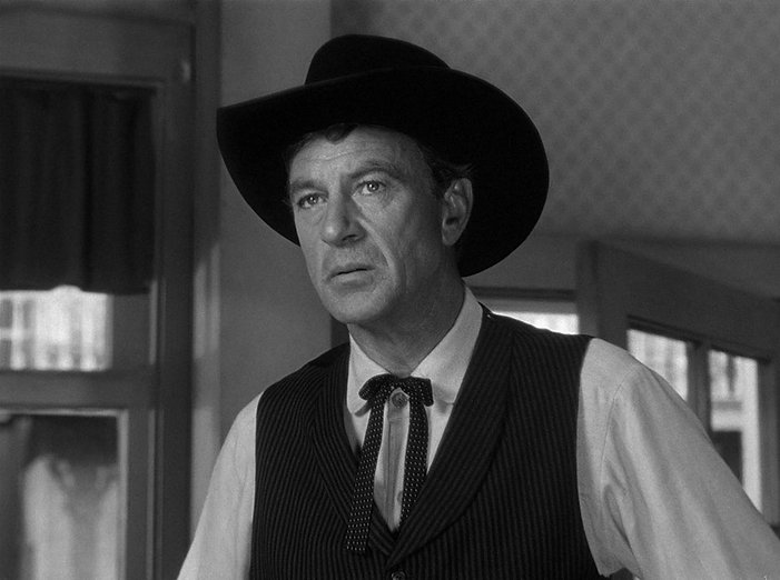 1280px-Gary_Cooper_in_High_Noon_1952.jpg