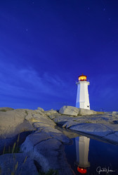 Built in 1914 and lit in 1915 the octagonal lighthouse is 15m high, the light has a range of 19km.