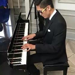 Cocktail Hour, live Pianist to entertain guests #weddingplanning #weddingdress #weddingphotography #