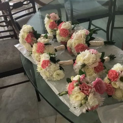 Fresh Bouquets & Flowers ready to go for the bride & bridesmaids