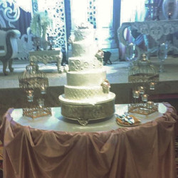 Our clients picked some yummy flavours for their wedding cake