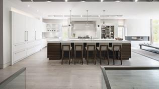 classical white kitchen.jpg