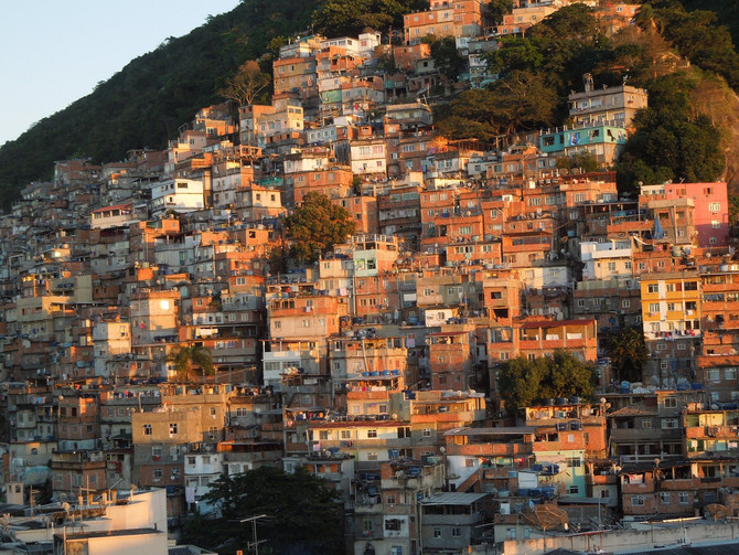 FOLHA DE S. PAULO: Em quarentena, 72% dos moradores de favelas têm padrão de vida rebaixado