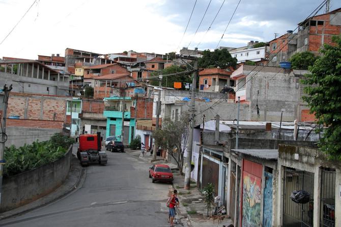 VALOR ECONÔMICO: Nas favelas, 71% apoiam quarentena