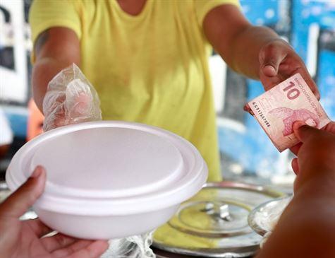 FOLHA DE PERNAMBUCO: Os novos rumos de quem não tem conta em banco