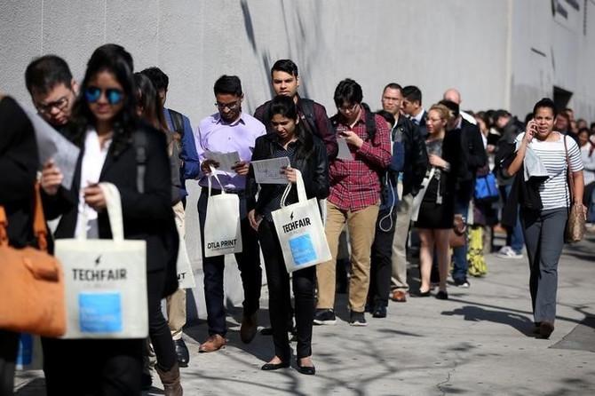 CNN BRASIL: Maioria dos brasileiros tem muito medo de perder emprego, diz pesquisa