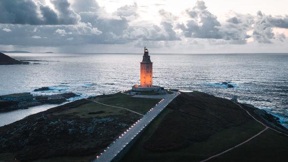 Torre de Hércules de noche en A Coruña